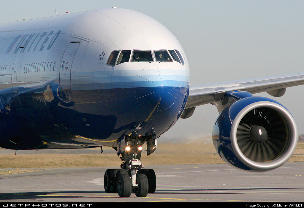 Photo of N777UA Boeing 777-222 by Michel VARLET