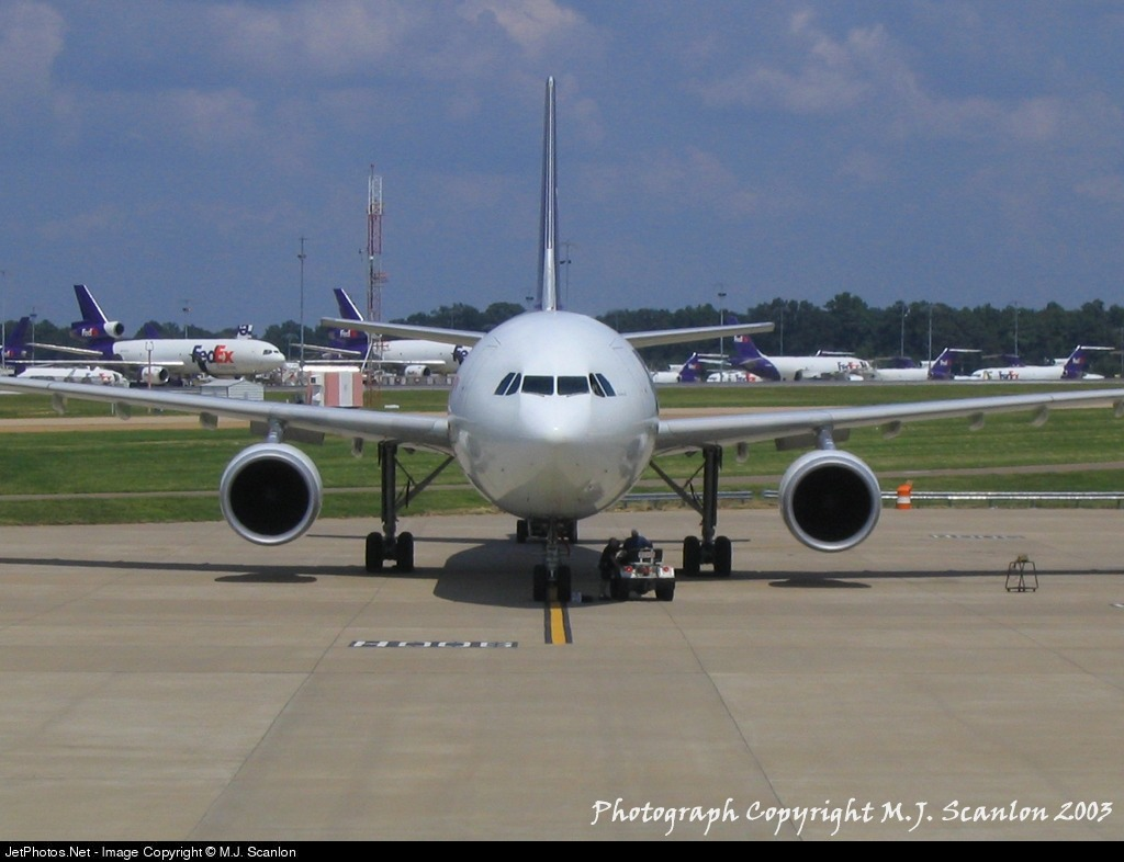 Photo of N654FE Airbus A300F4-605R by M.J. Scanlon