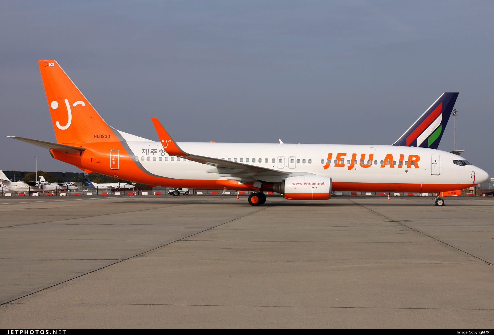 Photo of HL8233 Boeing 737-85P by if