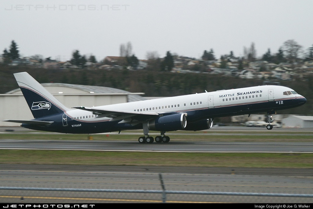 Photo of N756AF Boeing 757-23A by Joe G. Walker
