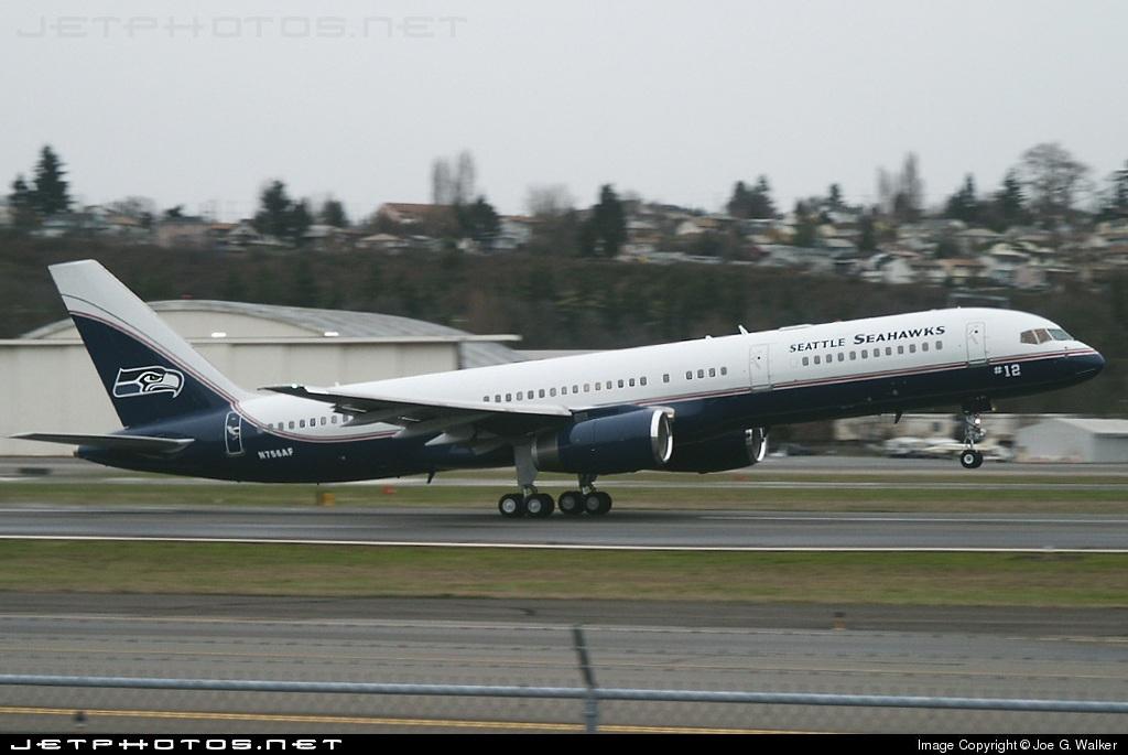 Photo of N756AF Boeing 757-23A by Joe G. Walker