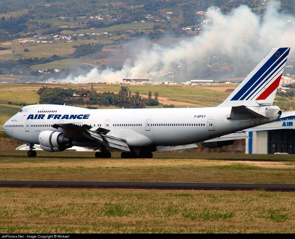 Photo of F-BPVY Boeing 747-228B by Mickael
