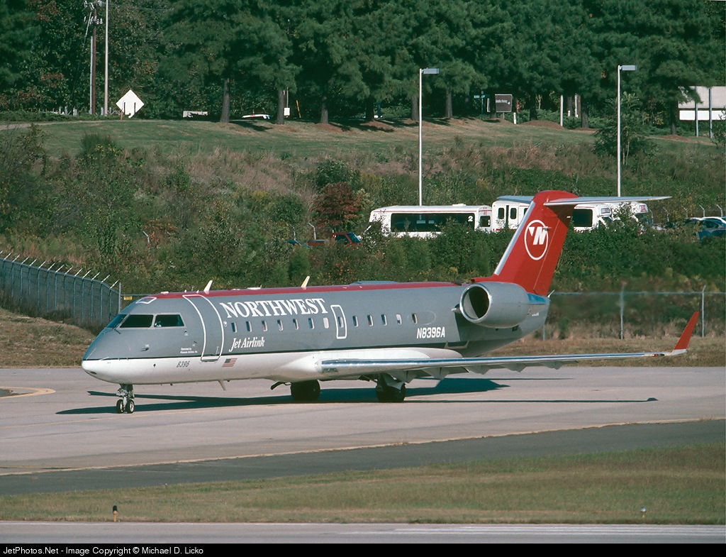 Photo of N8396A Bombardier CRJ-200LR by Michael D. Licko