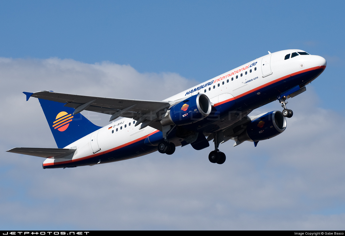 Photo of D-AHIJ Airbus A319-111 by Gabe Basco