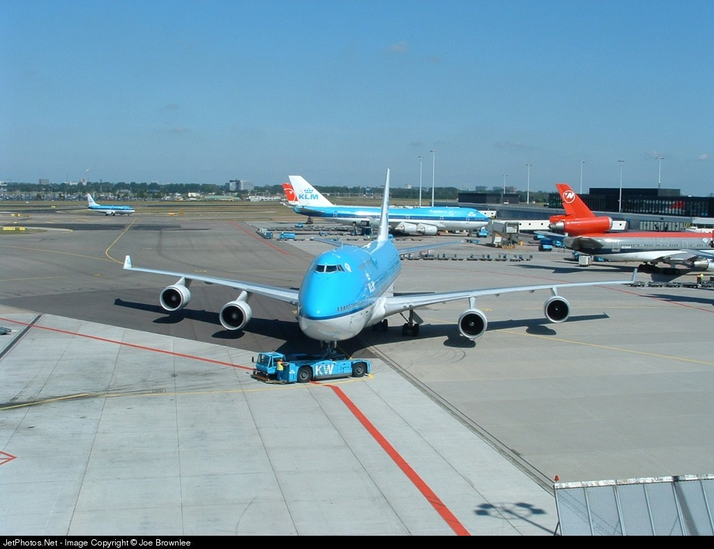 Photo of PH-BFL Boeing 747-406 by Joe Brownlee