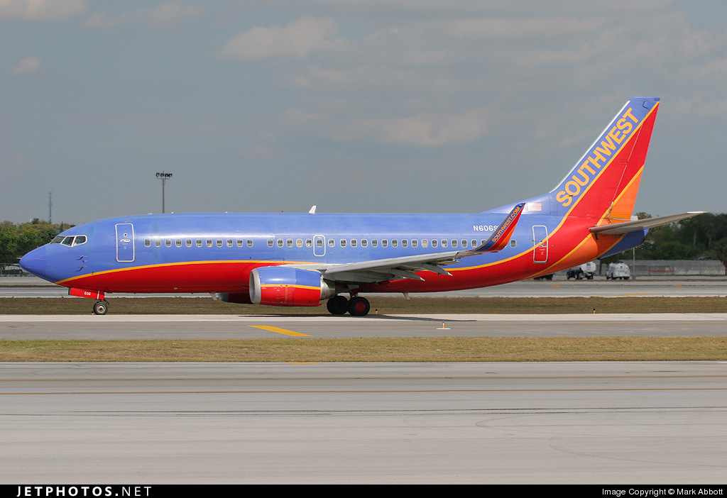 Photo of N606SW Boeing 737-3H4 by Mark Abbott