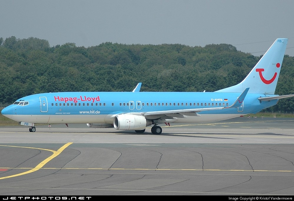 Photo of D-AHFB Boeing 737-8K5 by Kristof Vandermoere