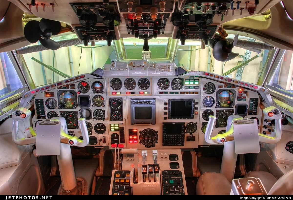 Photo of 101 Tupolev Tu-154M by Tomasz Karasinski
