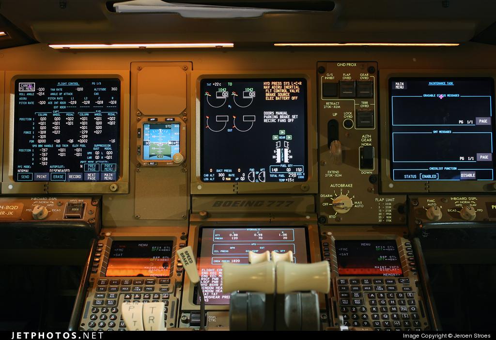 Photo of PH-BQD Boeing 777-206(ER) by Jeroen Stroes