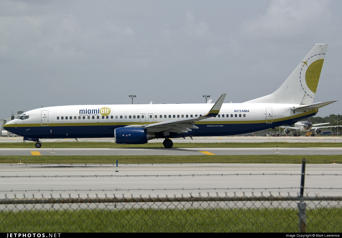 Photo of N734MA Boeing 737-8Q8 by Mark Lawrence