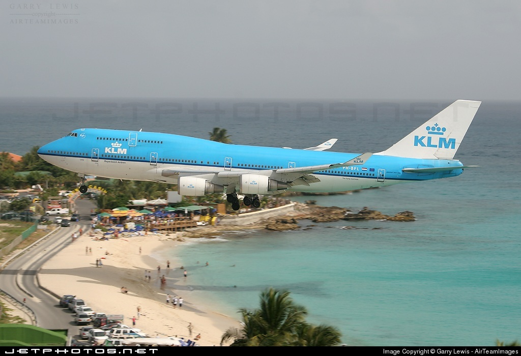 Photo of PH-BFL Boeing 747-406 by Garry Lewis - AirTeamImages