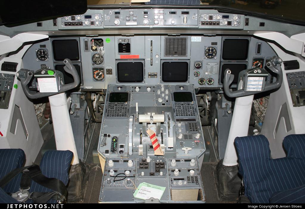 Photo of XA-SHL Fokker 100 by Jeroen Stroes