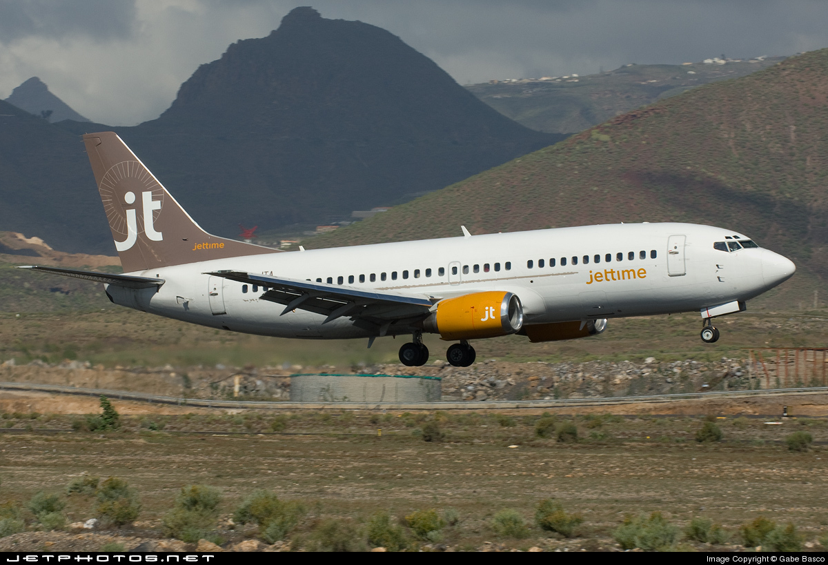 Photo of OY-JTA Boeing 737-33A by Gabe Basco