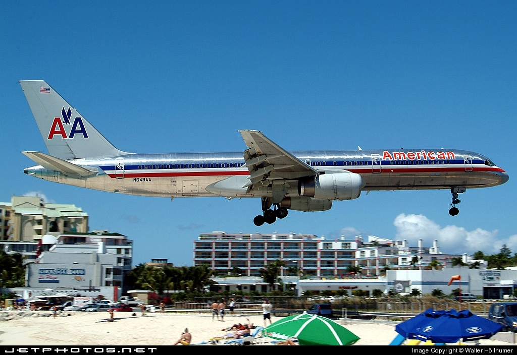 Photo of N648AA Boeing 757-223 by Walter Höllhumer