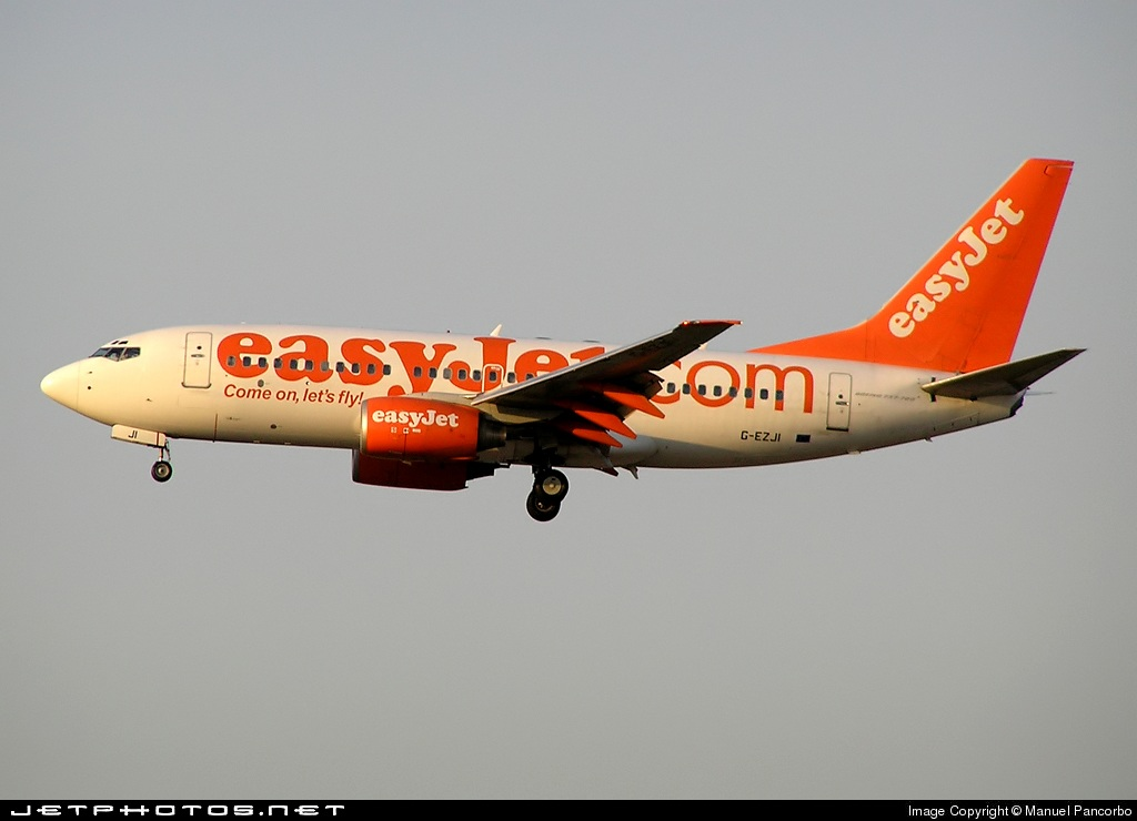 Photo of G-EZJI Boeing 737-73V by Manuel Pancorbo