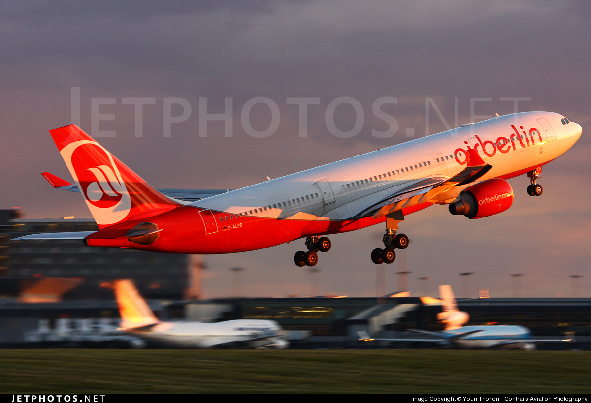 Photo of D-ALPD Airbus A330-223 by Youri Thonon - Contrails Aviation Photography
