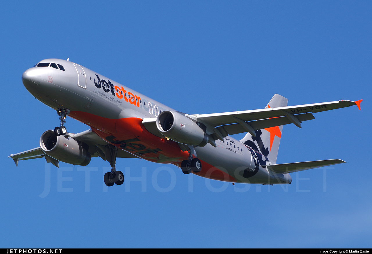 Photo of VH-VGR Airbus A320-232 by Martin Eadie