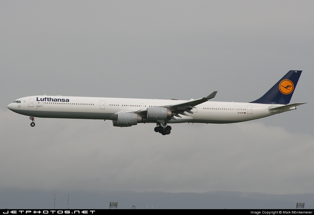 Photo of D-AIHE Airbus A340-642 by Maik Mönkemeier