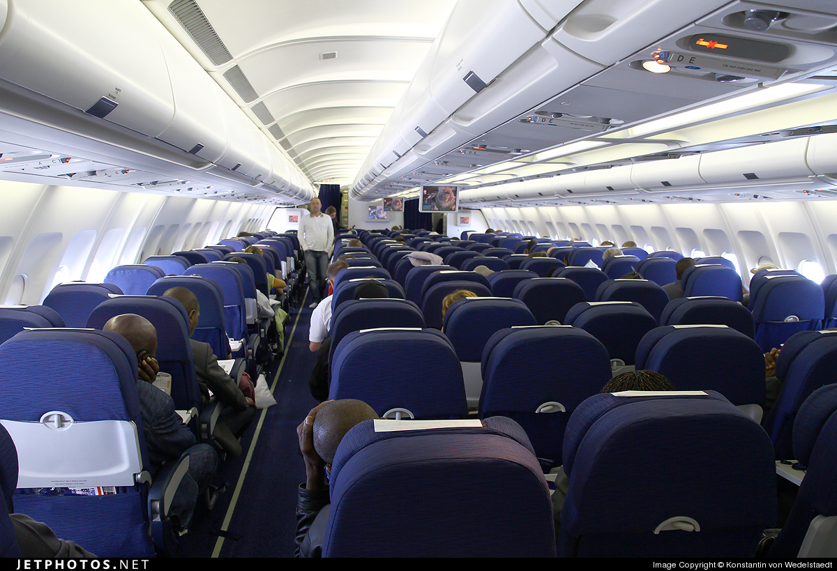 Photo of OO-SFN Airbus A330-301 by Konstantin von Wedelstaedt