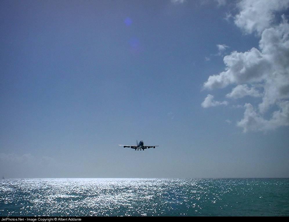 Photo of PH-BUT Boeing 747-206B(M)(SUD) by Albert Addante