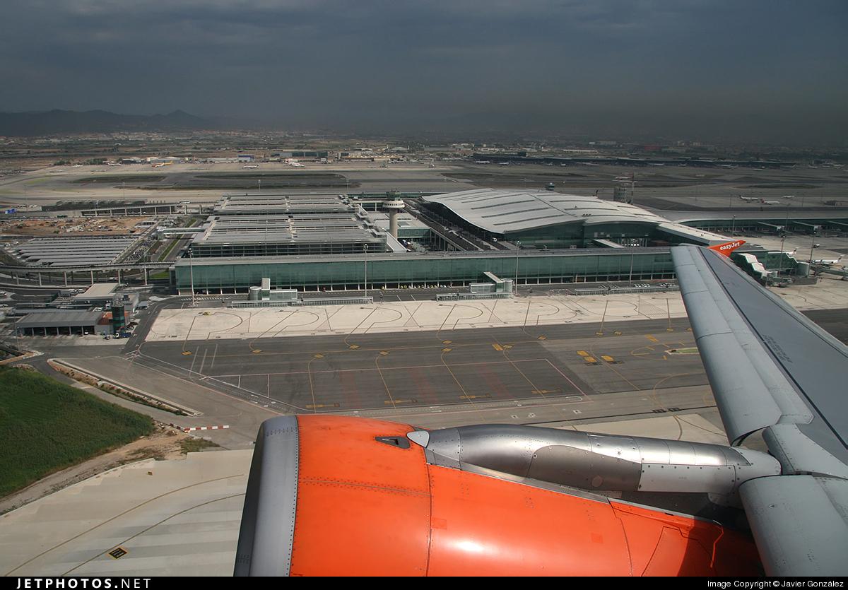 Photo of G-EZSM Airbus A319-111 by Javier González