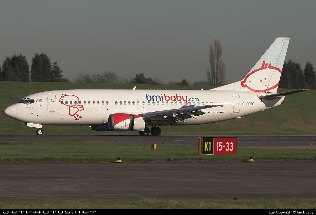 Photo of G-OGBE Boeing 737-3L9 by Ian Busby