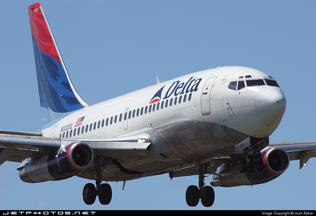 Photo of N332DL Boeing 737-232(Adv) by Josh Akbar
