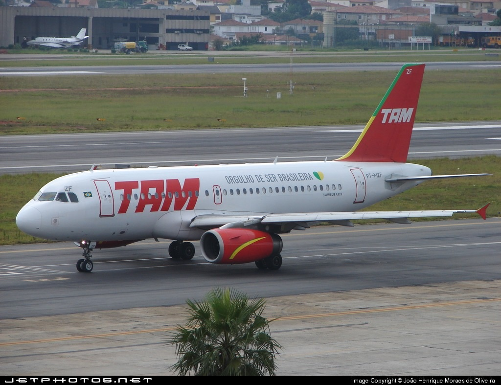 Photo of PT-MZF Airbus A319-132 by João Henrique