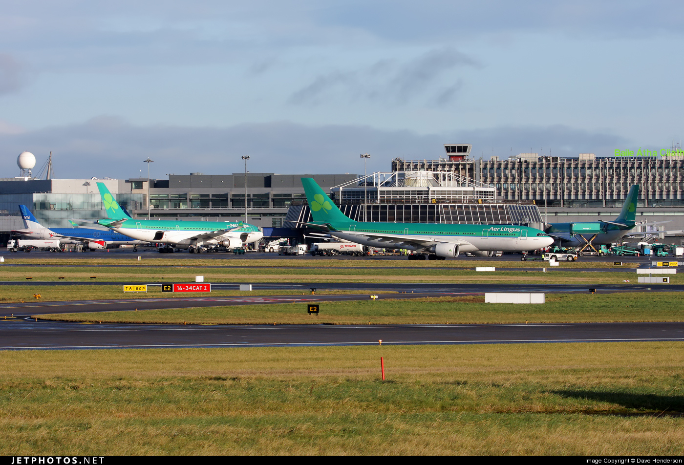 Photo of EIDW Airport by Dave Henderson