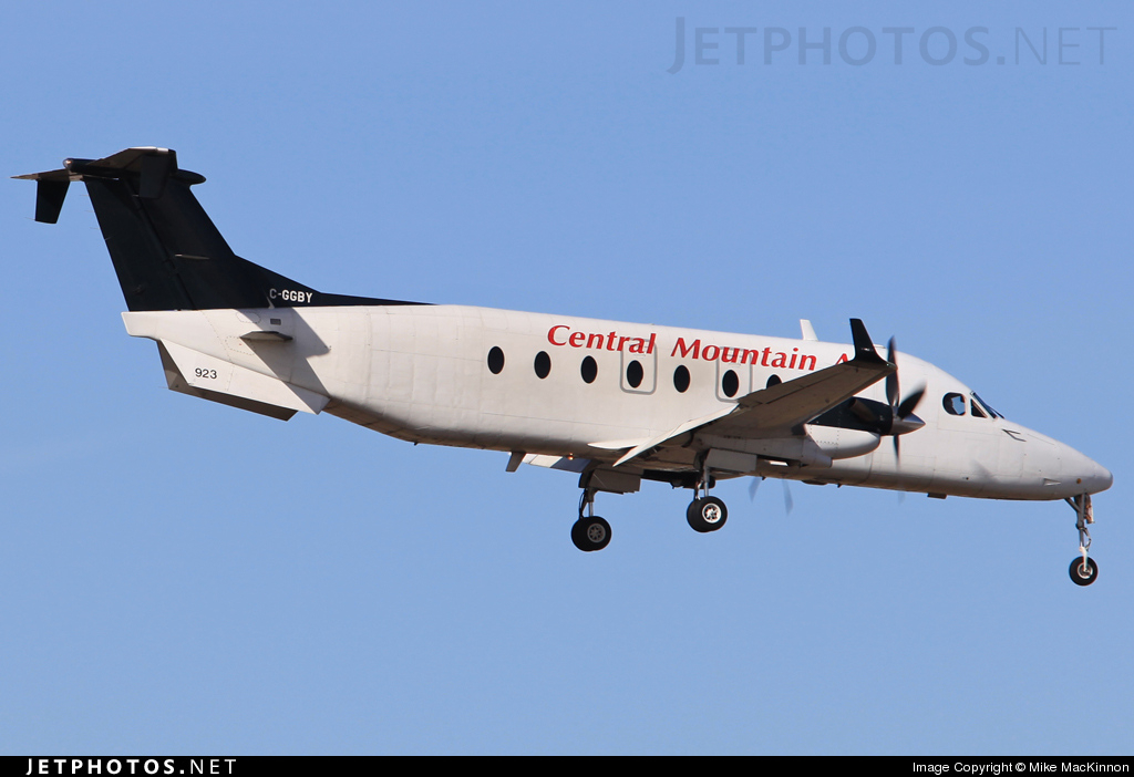 Photo of C-GGBY Beech 1900D by Mike MacKinnon