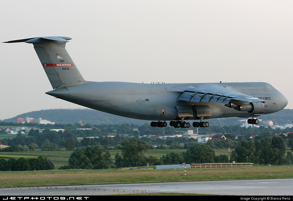 Photo of 69-0010 Lockheed C-5A Galaxy by Bianca Renz
