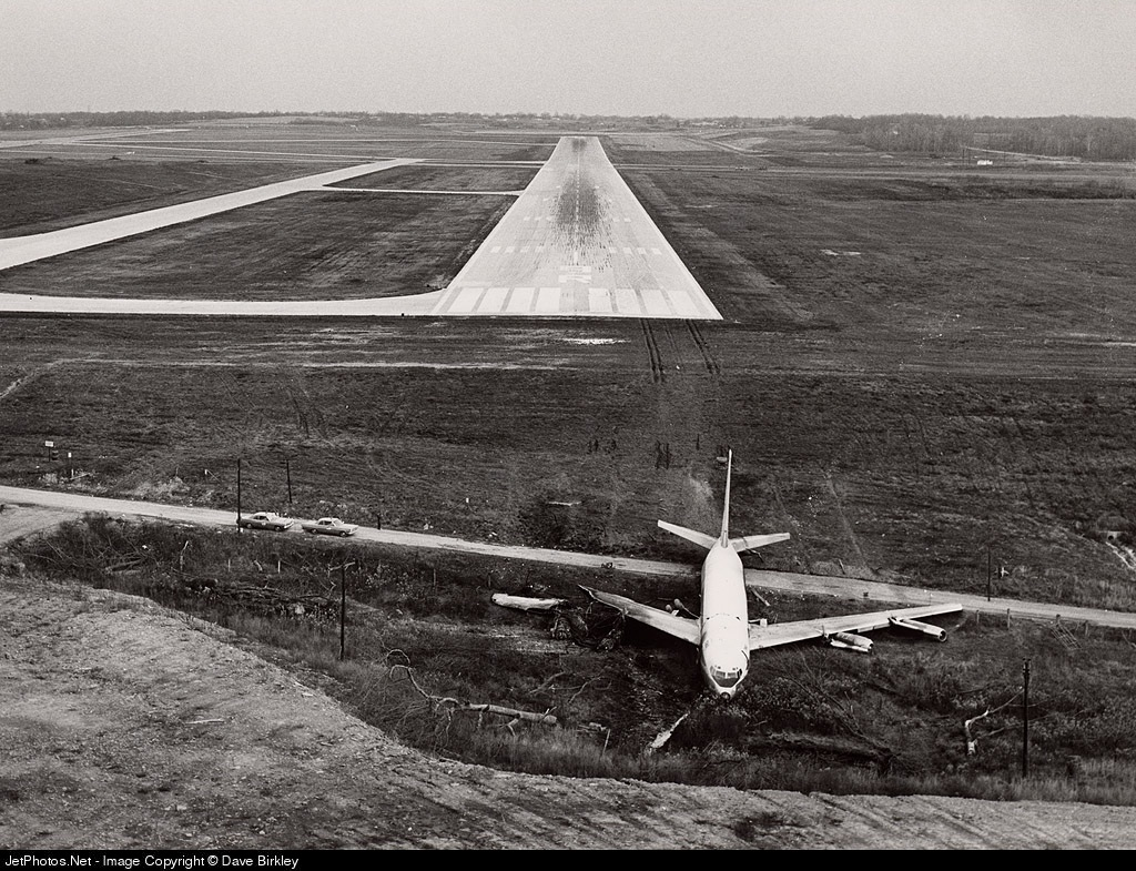 Photo of N742TW Boeing 707-131 by Dave Birkley