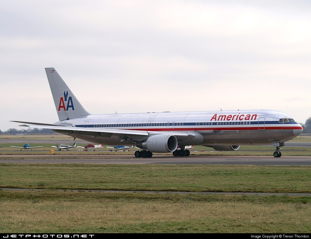 Photo of N343AN Boeing 767-323(ER) by Trevor Thornton