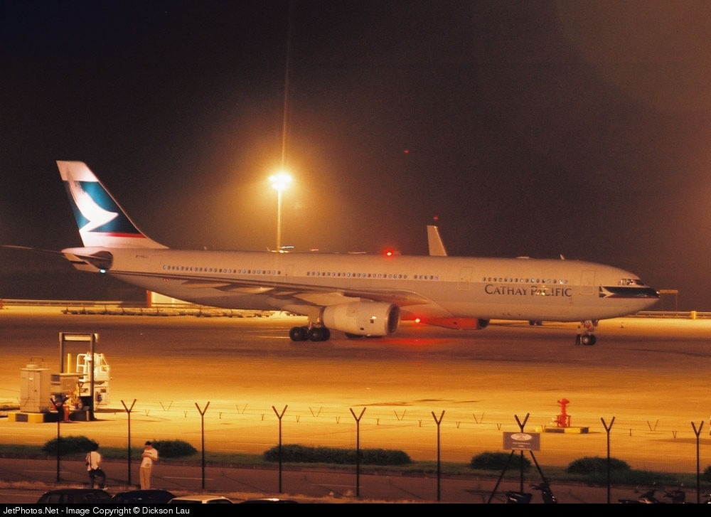 Photo of B-HLL Airbus A330-342 by Dickson Lau