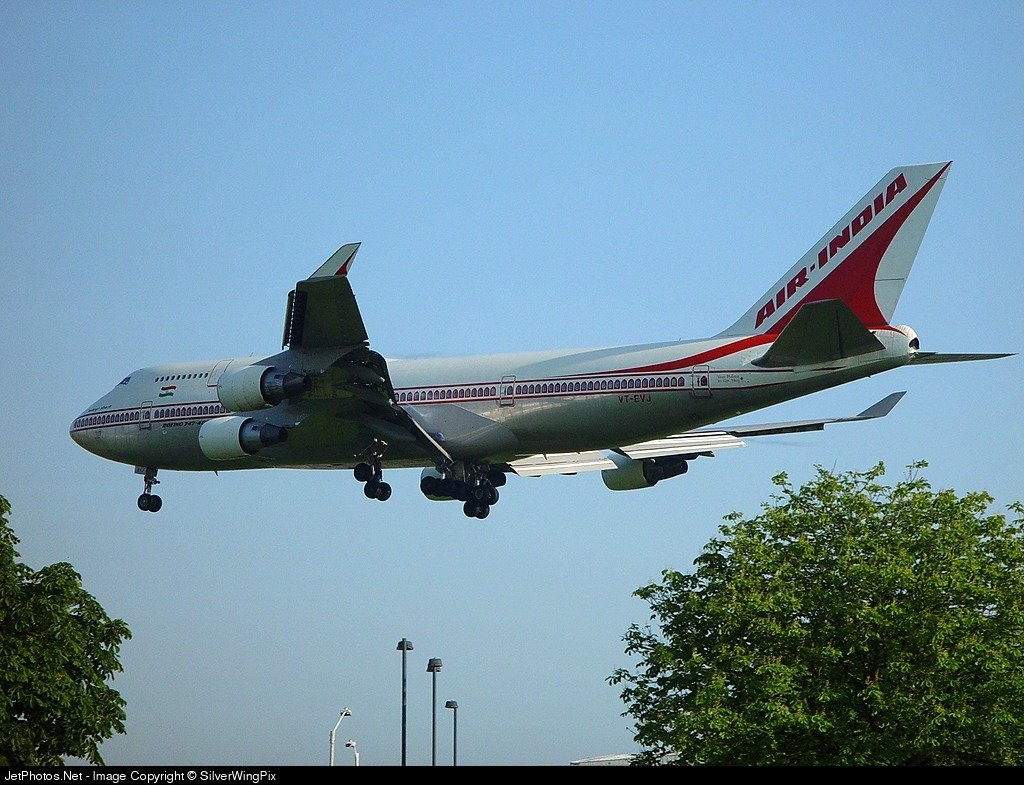 Photo of VT-EVJ Boeing 747-4B5 by SilverWingPix