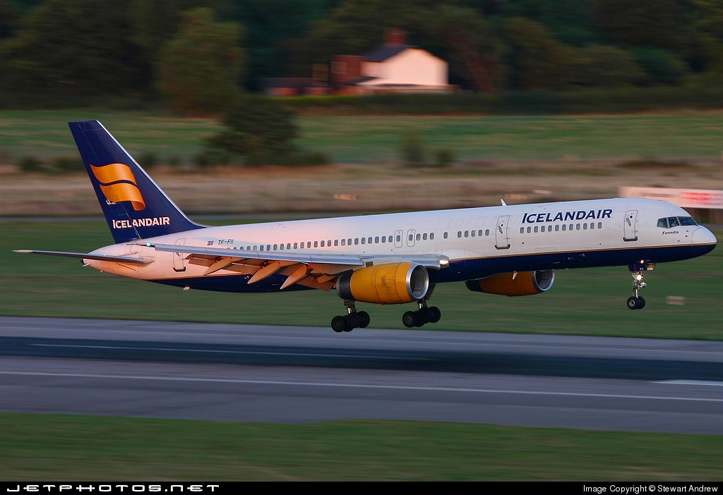 Photo of TF-FII Boeing 757-208 by Stewart Andrew