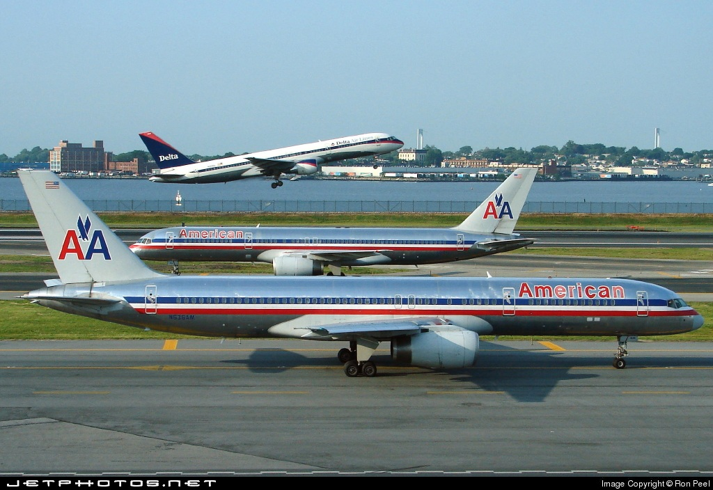 Photo of N636AM Boeing 757-223 by Ron Peel