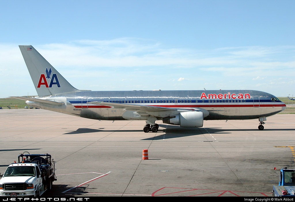 Photo of N321AA Boeing 767-223(ER) by Mark Abbott