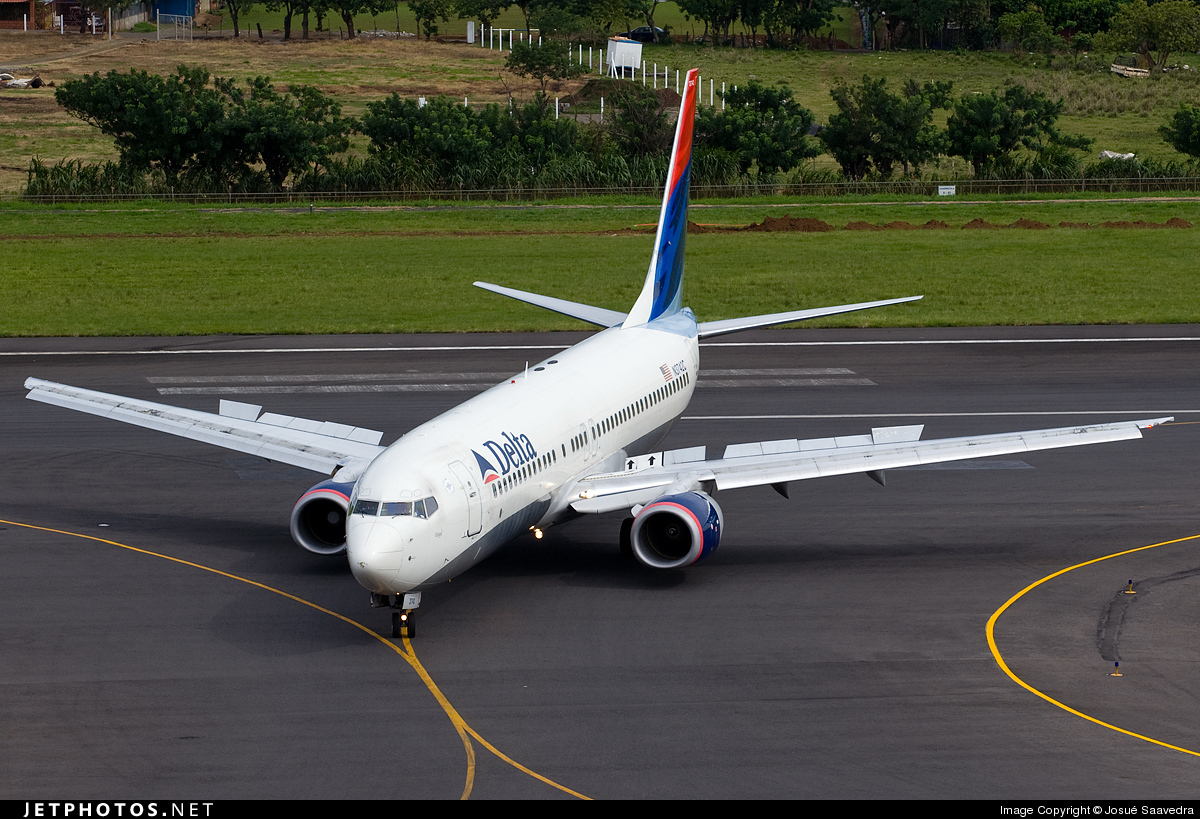 Photo of N3742C Boeing 737-832 by Josué Saavedra