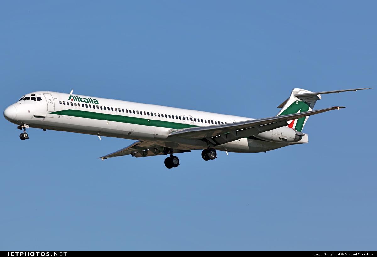 Photo of I-DATC McDonnell Douglas MD-82 by Mikhail Gorichev