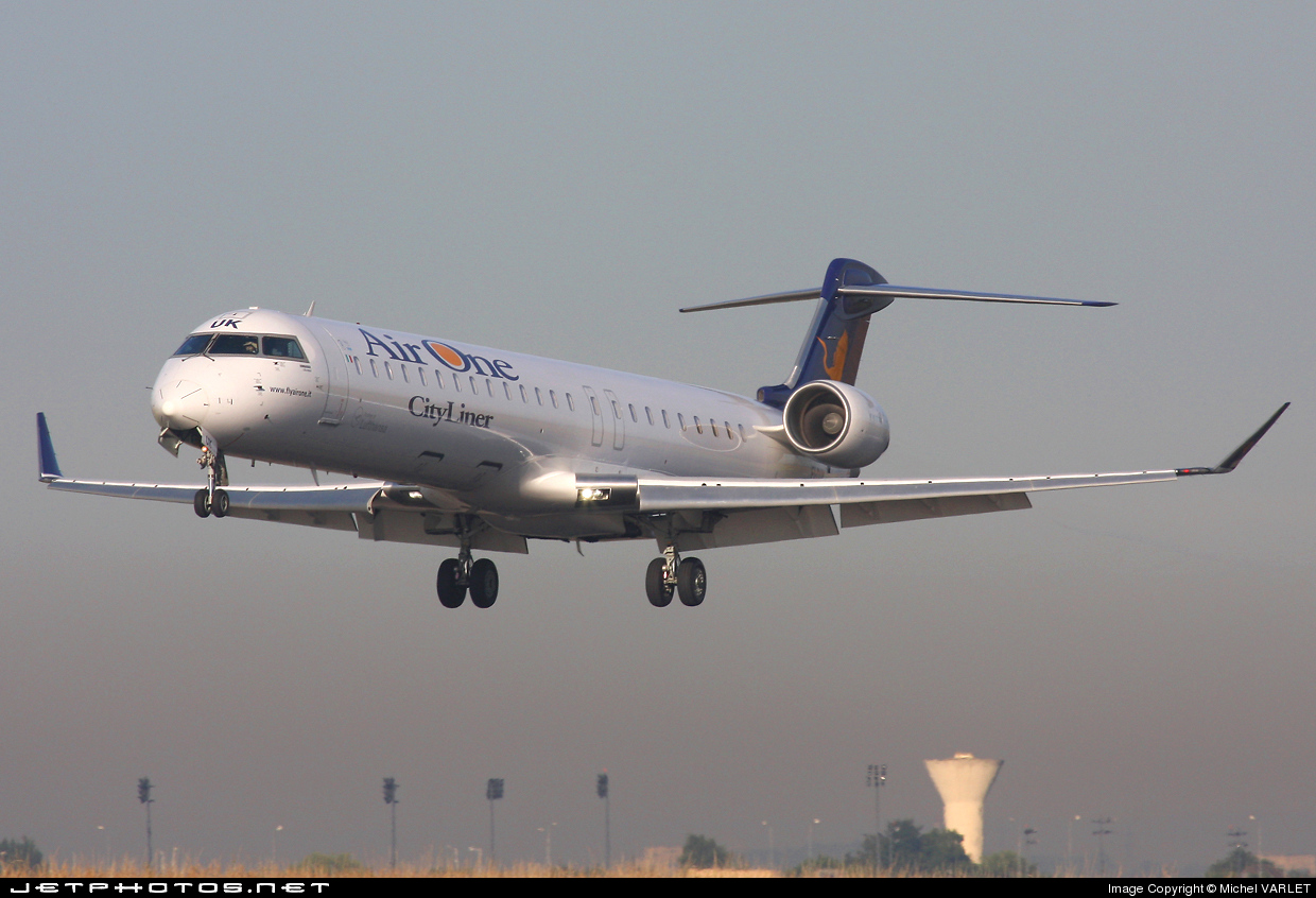 Photo of EI-DUK Bombardier CRJ-900ER by Michel VARLET