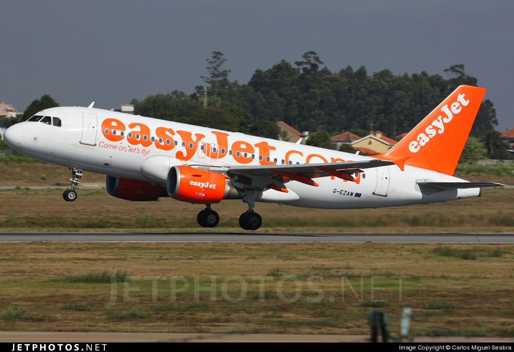 Photo of G-EZAW Airbus A319-111 by Carlos Miguel Seabra