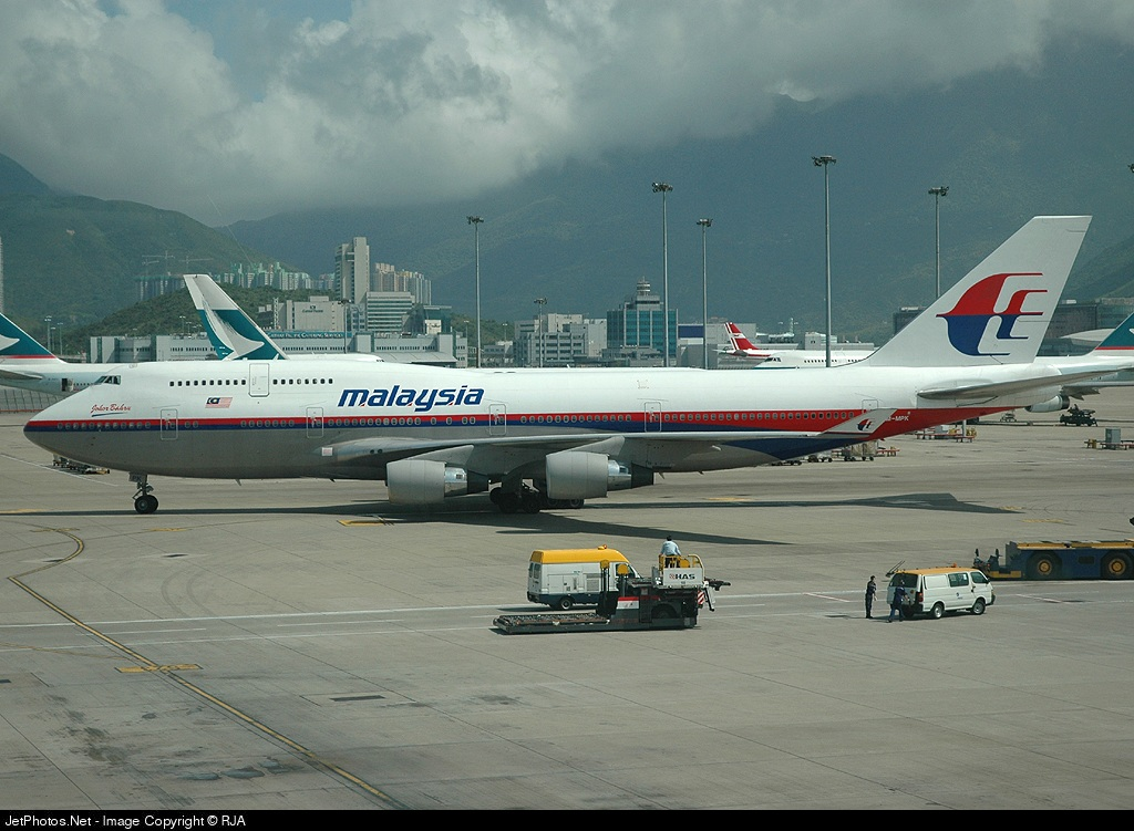 Photo of 9M-MPK Boeing 747-4H6 by Richard Allen - The Hong Kong Spotters