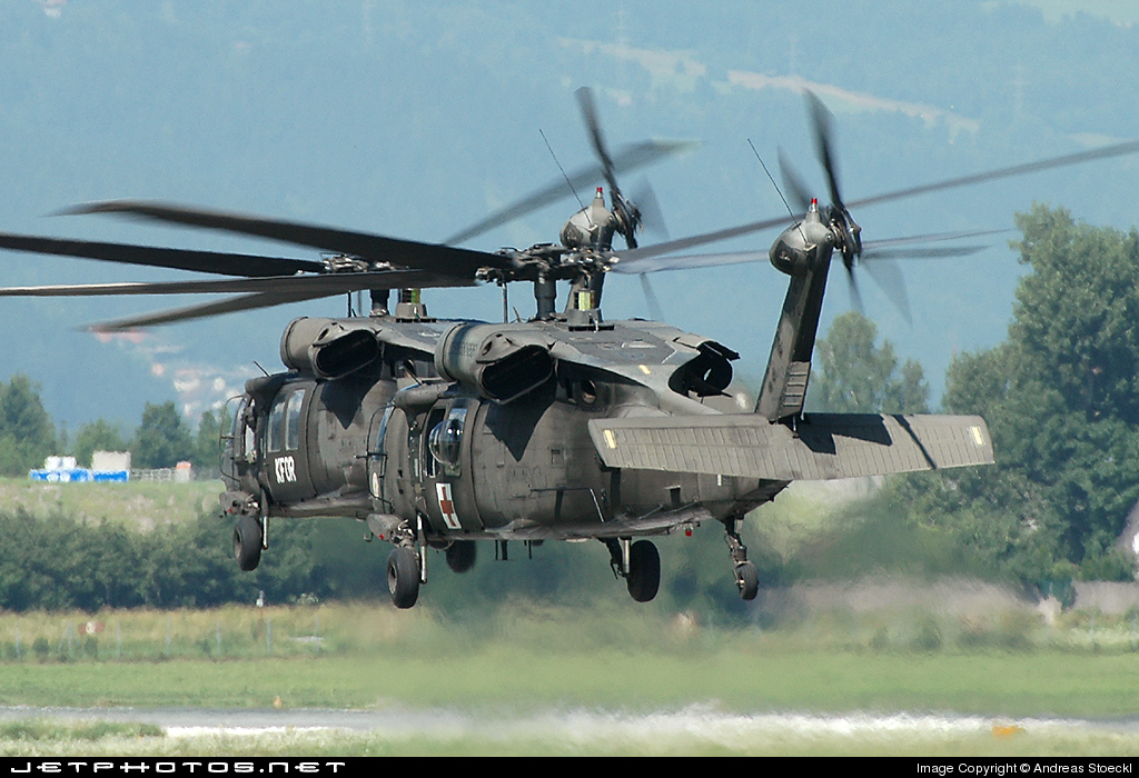 Photo of 85-24388 Sikorsky UH-60Q Blackhawk by Andreas Stoeckl