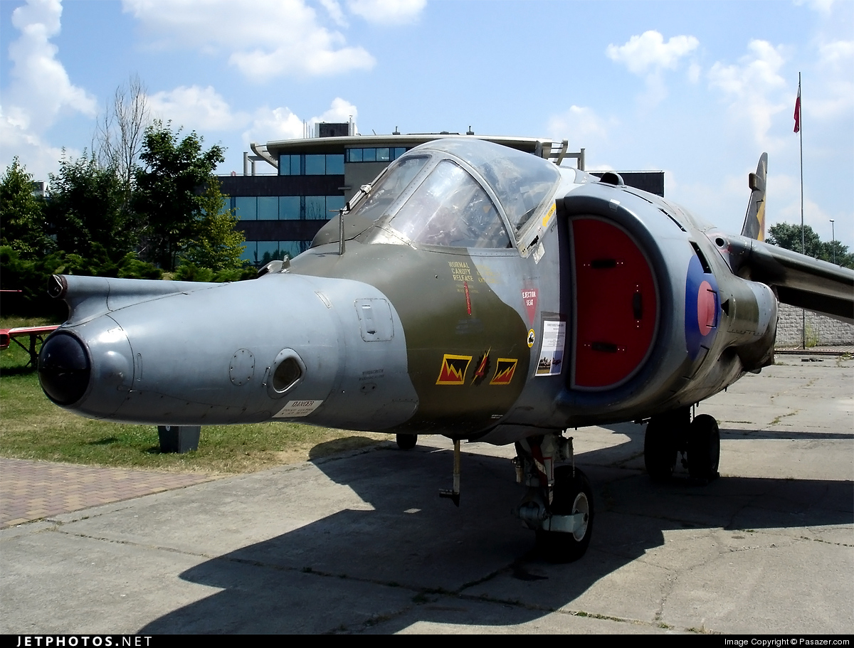 Photo of XW919 British Aerospace Harrier GR.3 by Pasazer.com