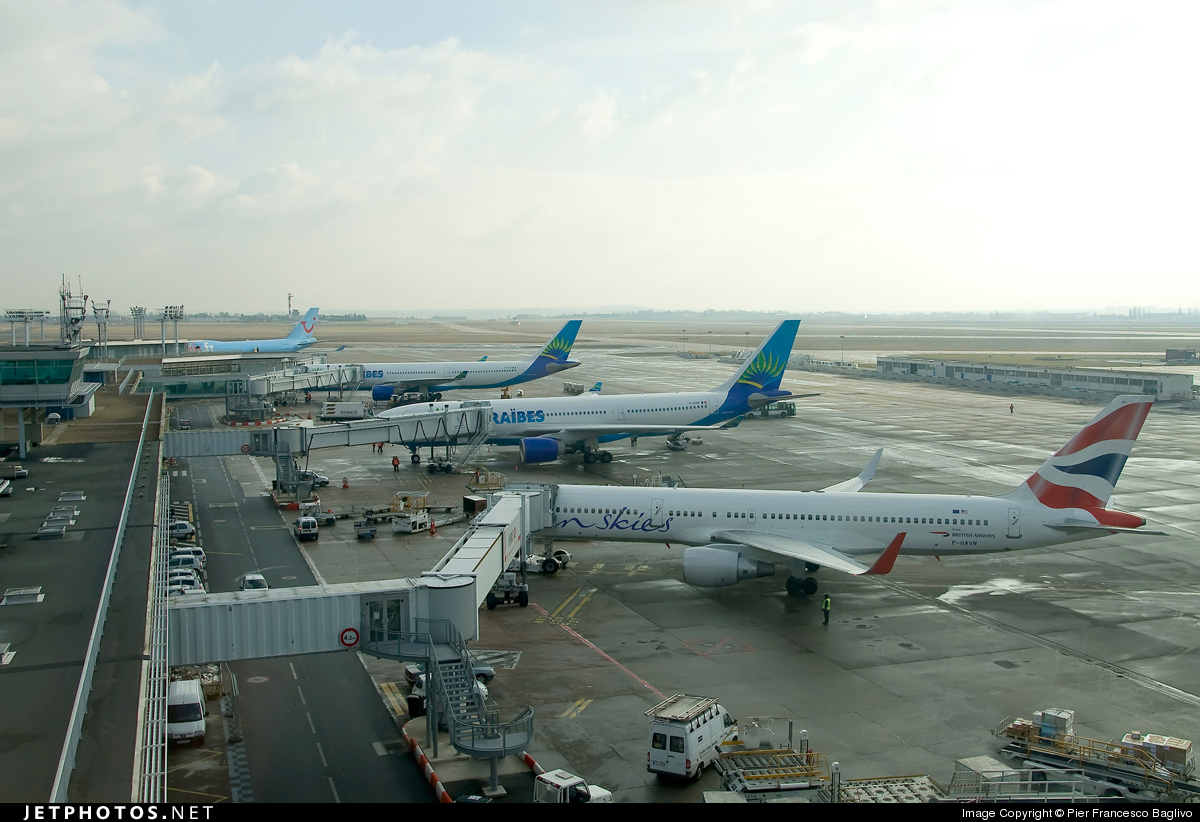 Photo of LFPO Airport by Pier Francesco Baglivo