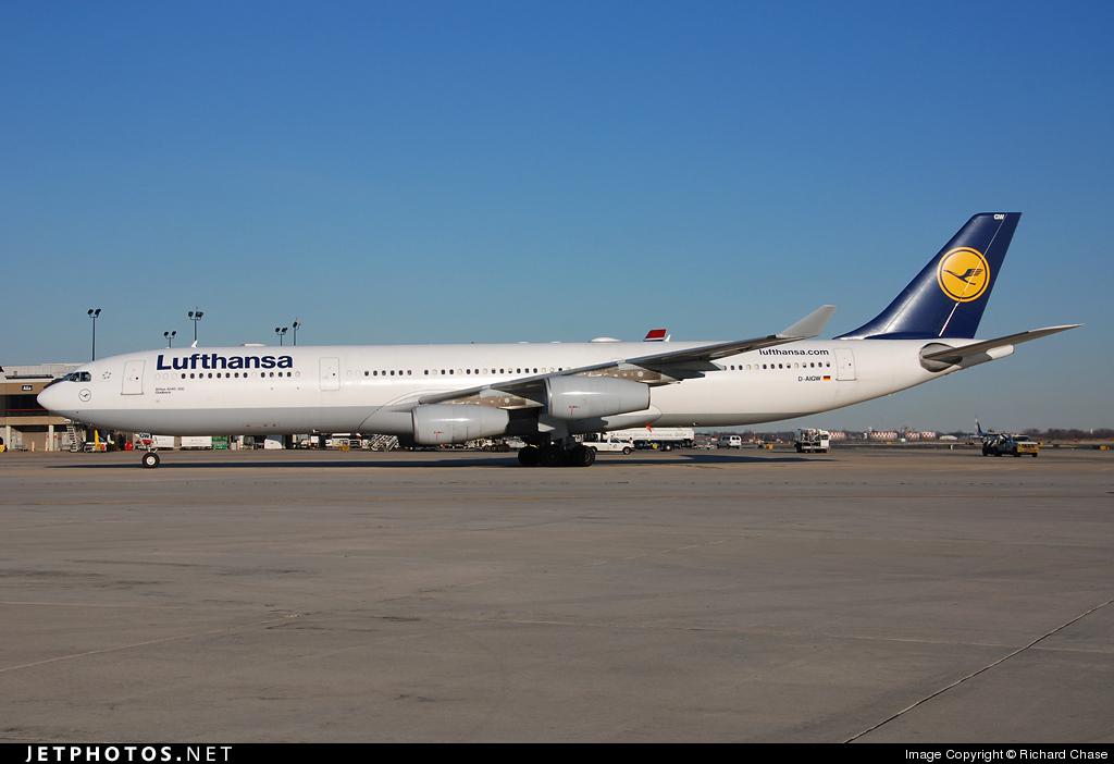 Photo of D-AIGW Airbus A340-313X by Richard Chase