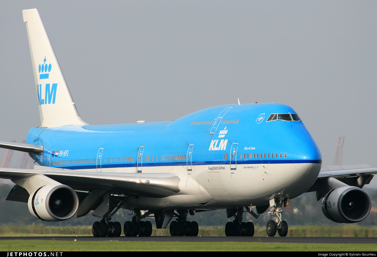 Photo of PH-BFL Boeing 747-406 by Sylvain Gourheu