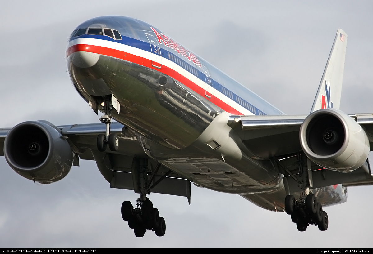Photo of N787AL Boeing 777-223(ER) by J.M.Carballo