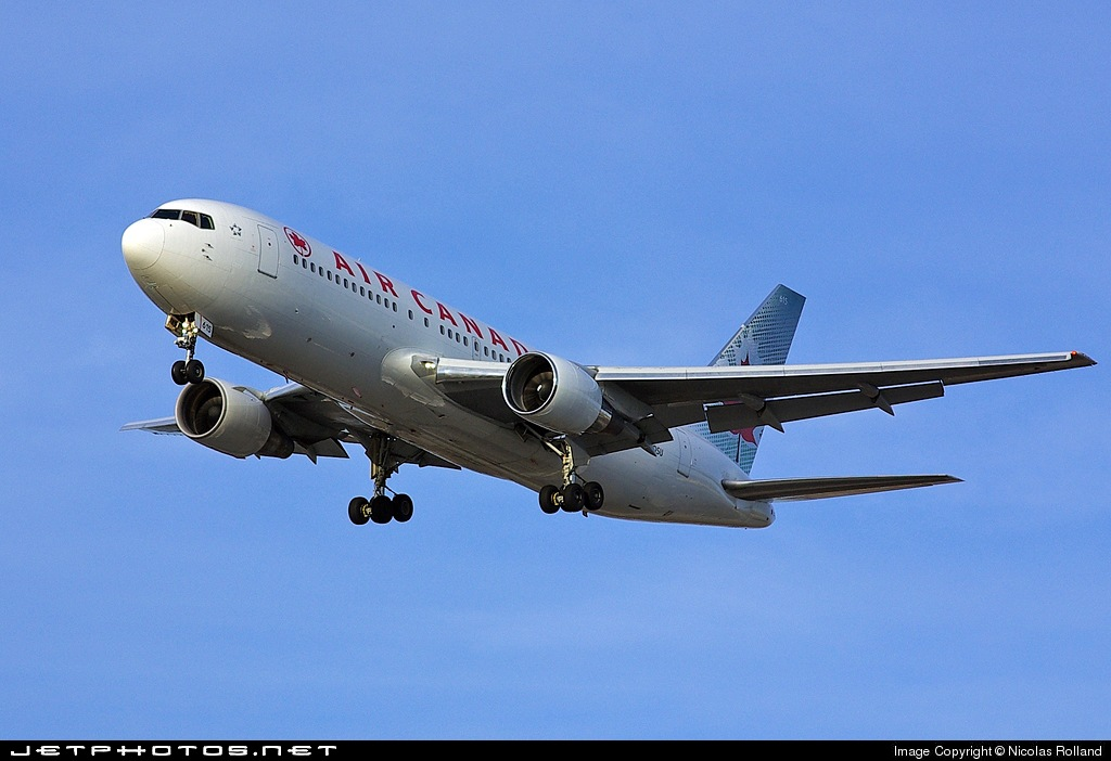 Photo of C-GDSU Boeing 767-233(ER) by Nicolas Rolland